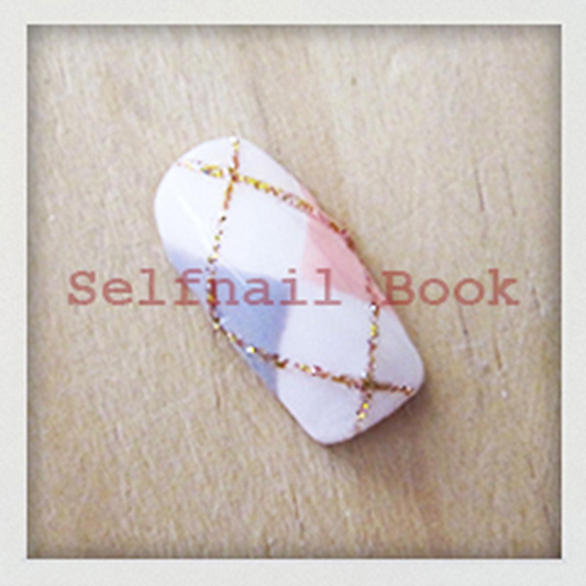 ジェルで爪全面に描く簡単アーガイル柄ネイルのやり方1
