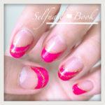 ピンクの斜めフレンチネイル