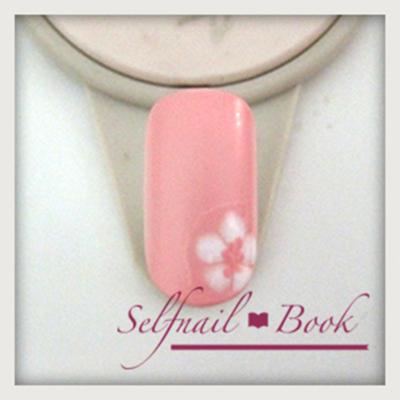桜ネイルの書き方3