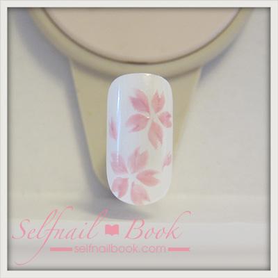 ジェルネイルで描く「桜のアート」のやり方6