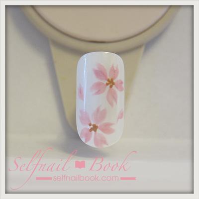 ジェルネイルで描く「桜のアート」のやり方7