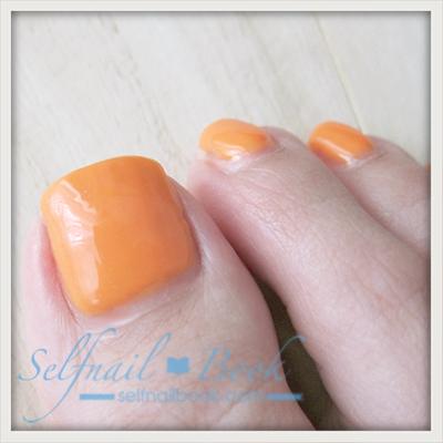 Myネイル|季節外れのネオンオレンジのフットネイル3