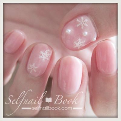 冬のネイルデザイン!ピンク×雪の結晶×パールでかわいさ3倍-3