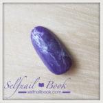 簡単!流行色の天然石アメジストネイルのやり方は、2色と3つの工程で完成
