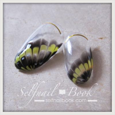 蝶ネイルの描き方|エッジィな大人アートで魅せるバタフライ柄のやり方6