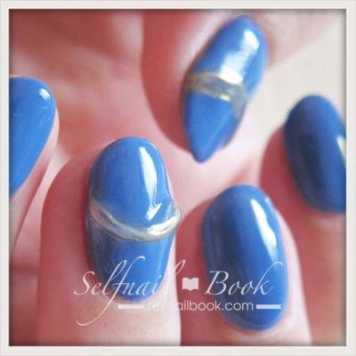 青で仕上げる簡単セルフネイル2