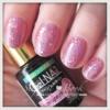 ピンクの派手ネイル1