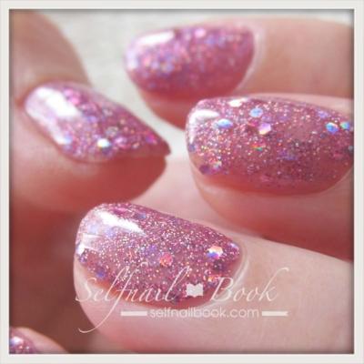 ピンクの派手ネイル4