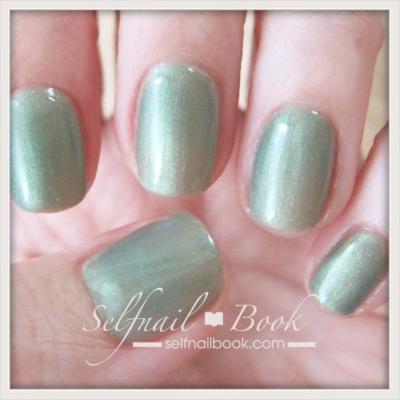 ネイルトレンドカラー緑2